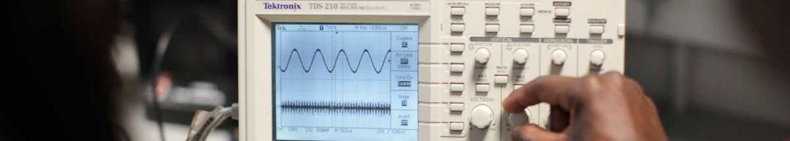 Electronic Engineering - Working with Equipment in the Lab - Maynooth University