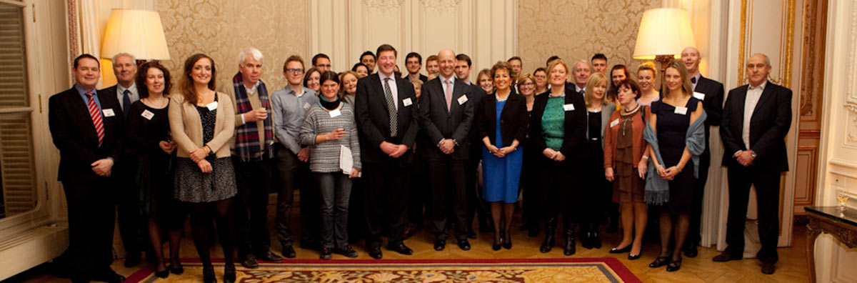 Alumni - Paris group shot chapter - Maynooth University