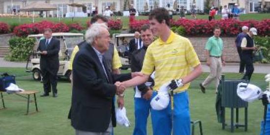 Golf - Gary Hurley meets Arnold Palmer at the 2013 Palmer Cup