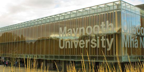 Communications & Marketing - Library sign bilingual - Maynooth University