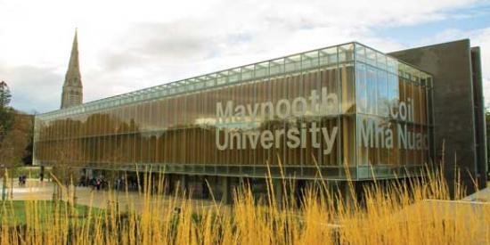 Communications & Marketing - Library sign Maynooth University bilingual - Maynooth University