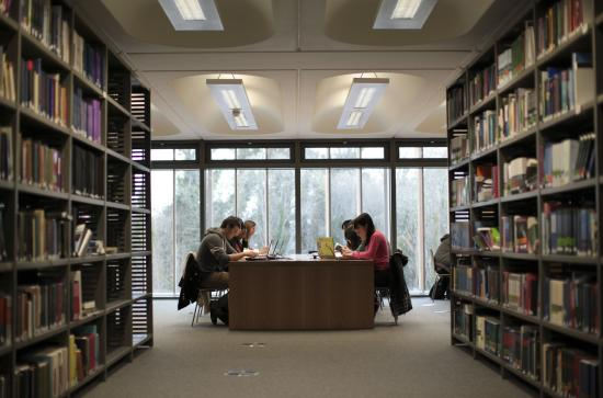 Library - Students with laptops studying - Maynooth University